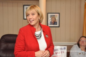 Lieutenant Governor Kim Guadagno addresses the group in the Sussex County Republican Headquarter.
