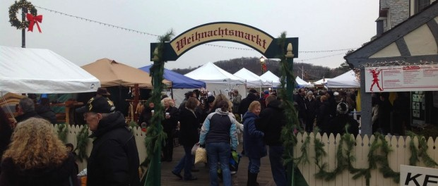 The entrance to the Lake Mohawk German Christmas Market, at the Lake Mohawk Boardwalk.