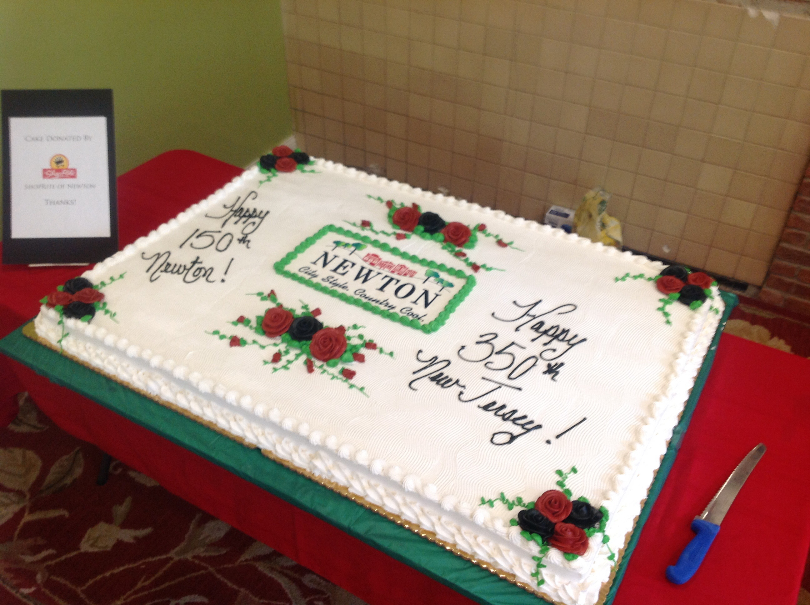Cake to celebrate the unveiling of the new logo.
