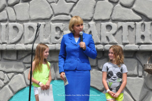 Acting Governor Kim Guadagno with Molly McHose (left) and Cameron Ecke (right). Photo by Jennifer Jean Miller.