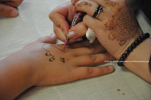 Henna Art at the event for PEARLL Yoga for the Soul. Photo by Jennifer Jean Miller.