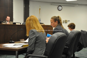Planner Jessica Caldwell discusses the sign ordinance draft. Photo by Jennifer Jean Miller.