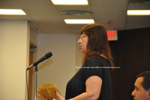 Nanette Thomas, a local resident, speaks about the ordinance. Photo by Jennifer Jean Miller.
